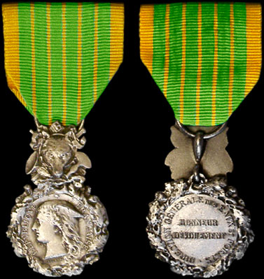 M daille d 39 honneur des eaux et for ts insigne second mod le for Eaux et forets